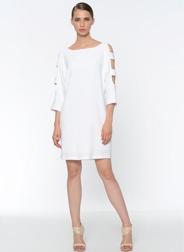 Que Kol Detaylı Düz Elbise Beyaz